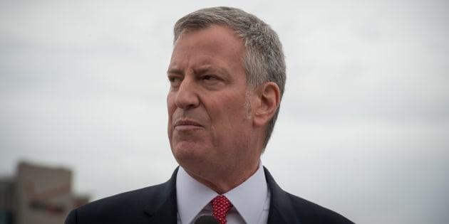 Le maire de NY est tellement anti-Trump qu'il a pris l'avion pour manifester en Allemagne.