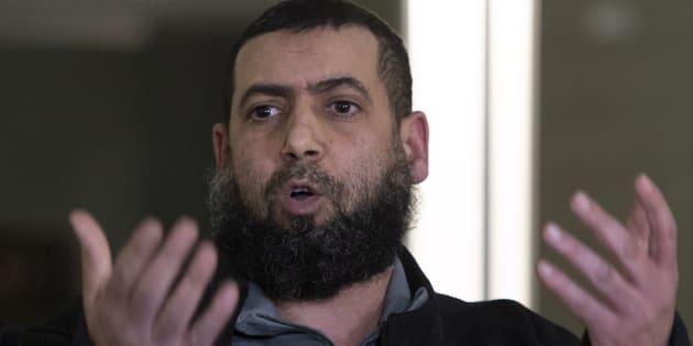 Said El-Amari, qui a été blessé lors de la fusillade dans la mosquée en 2017, réagit à la suite de l'écoute du verdict.