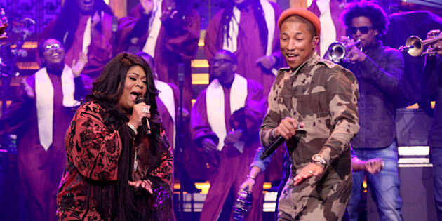 THE TONIGHT SHOW STARRING JIMMY FALLON -- Episode 0587 -- Pictured: (l-r) Musical guests Pharrell Williams and Kim Burrell perform on December 08, 2016 -- (Photo by: Andrew Lipovsky/NBC/NBCU Photo Bank via Getty Images)