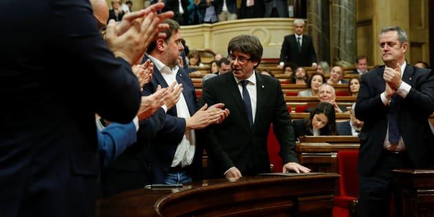 El cesado president de la Generalitat, Carles Puigdemont, tras su comparecencia en el Parlament el pasado 10 de octubre.