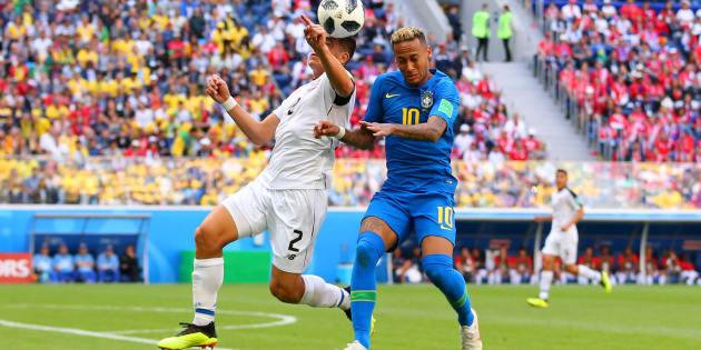 Brasil voltou aceso para o segundo tempo e criou boas chances de gol.