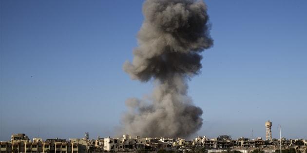 Une frappe de drone dans un quartier de Syrte, en Libye, occupé par le groupe État islamique, le 28 septembre 2016 (Image d'illustration).