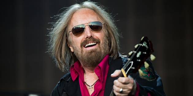 Tom Petty of Tom Petty And The Heartbreakers performs at Barclaycard British Summer Time in Hyde Park on July 9, 2017 in London, England.  (Samir Hussein/Redferns)