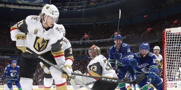 Le 16 novembre, les Canucks de Vancouver affrontaient les Golden Knights de Las Vegas, la dernière équipe à avoir rejoint la Ligue Nationale de Hockey.