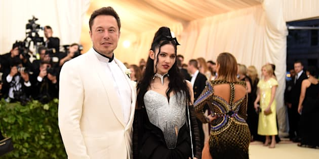 Qui est Grimes, la chanteuse apparue au bras d'Elon Musk au Gala du MET.