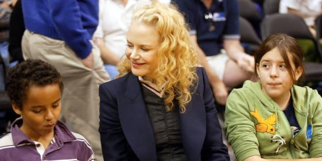 Nicole Kidman con sus hijos Connor e Isabella, en 2004