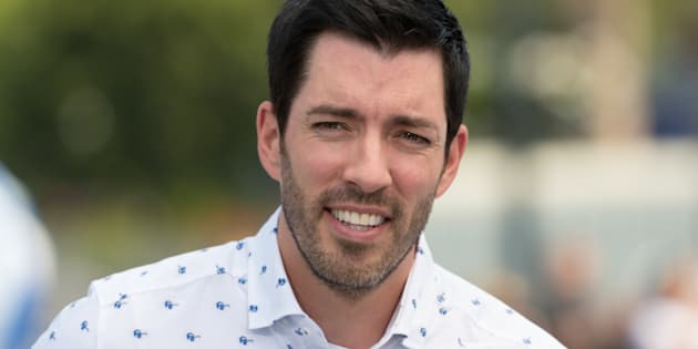 Drew Scott from 'Property Brothers' visits 'Extra' at Universal Studios Hollywood on July 17, 2017 in Universal City, California.  (Photo by Noel Vasquez/Getty Images)