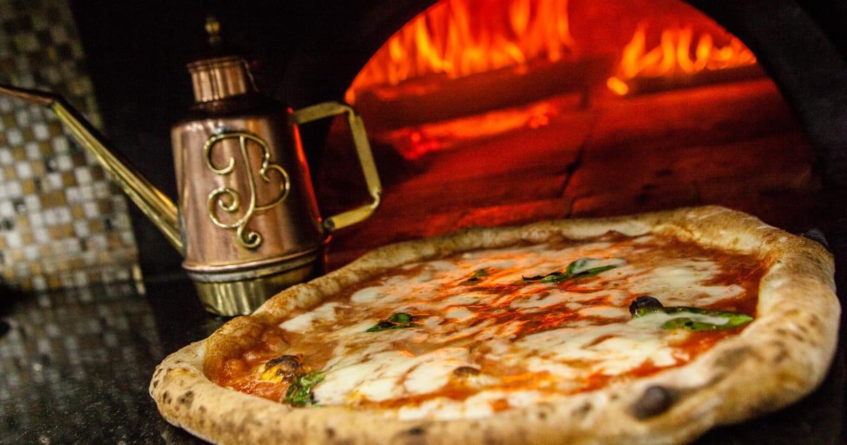La pizza napoletana diventa patrimonio dell'umanità Unesco