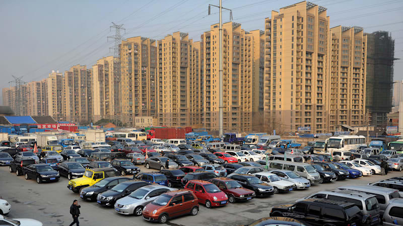 China mulls ban on gasoline and diesel cars