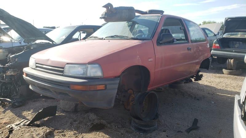 00-1990-Daihatsu-Charade-in-Colorado-junkyard-Photo-by-Murilee-Martin.jpg
