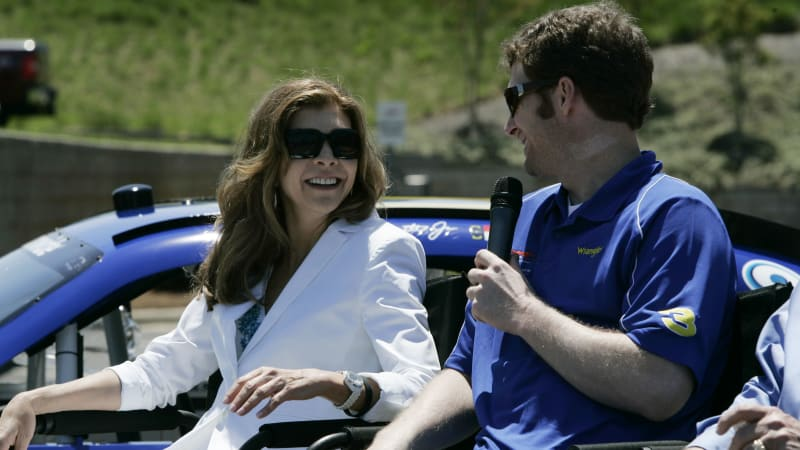Teresa Earnhardt Trying To Prevent Dale Sr S First Son From Using Family Name Autoblog For over 60 years earnhardt auto dealerships have offered new and used cars for sale in the phoenix arizona market. https www autoblog com 2016 05 07 teresa earnhardt dale kerry earnhardt last name