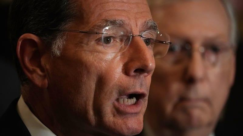 Senator introduces legislation to end federal EV tax credit