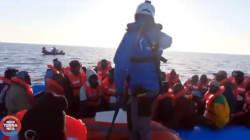 Mare Jonio nel porto di Lampedusa: la nave è stata sequestrata dalla Guardia di