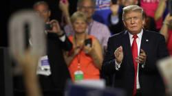 「Q」って何者?トランプ大統領を支持するネット界の陰謀論者。中間選挙前に信奉する人が急増