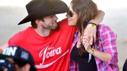 Mila Kunis révèle comment Ashton Kutcher et elle sont tombés