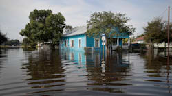 Huracanes Harvey e Irma tumbaron los empleos en EU; la peor caída en 7