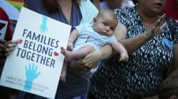 Separan a madre y su bebé mientras lo amamantaba en un centro de migrantes en
