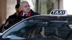 Prima riunione M5s, deputati e senatori arrivano tutti a bordo di taxi: