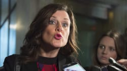 Loi 62: la ministre Vallée répondra aux questions mardi