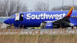 Le moteur d'un avion explose en plein vol et fracasse un