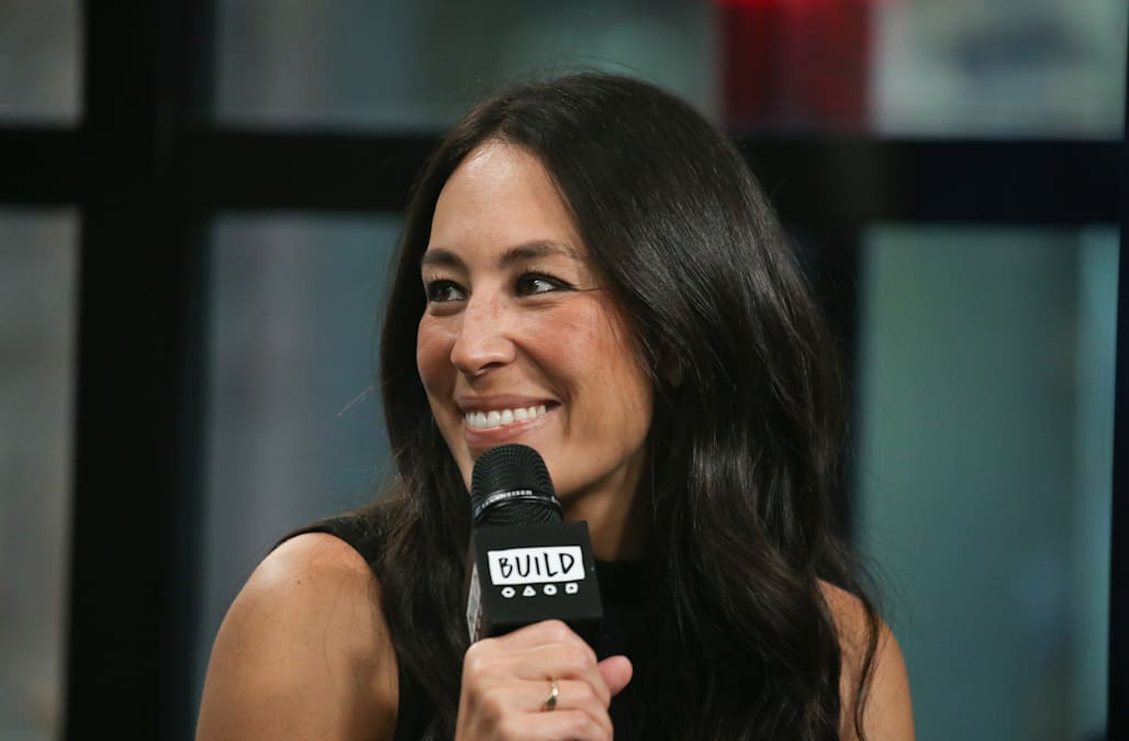 The no 1 painting mistake according to joanna gaines aol lifestyle raise your hand if youve ever fallen prey to a gorgeous paint color swatchat looked like total crap once it was up on your wall affirmative thecheapjerseys Images