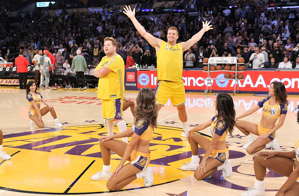 Rob Gronkowski Venus Williams Join Lakers Dance Team To
