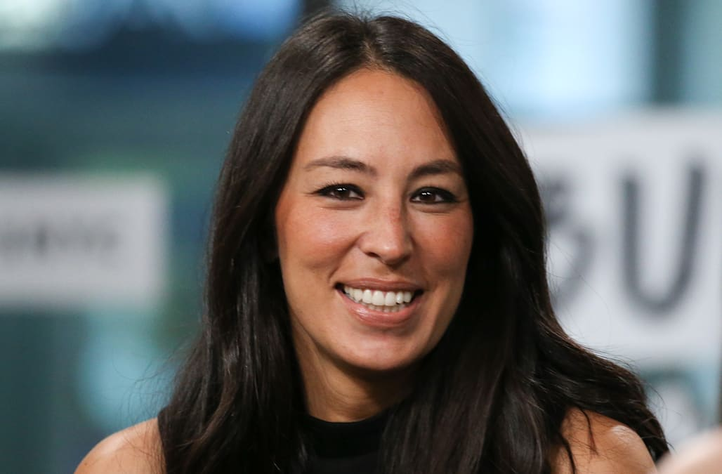 b6ddf1c7f39fd Joanna Gaines makes totally candid pregnancy confession on Instagram ...
