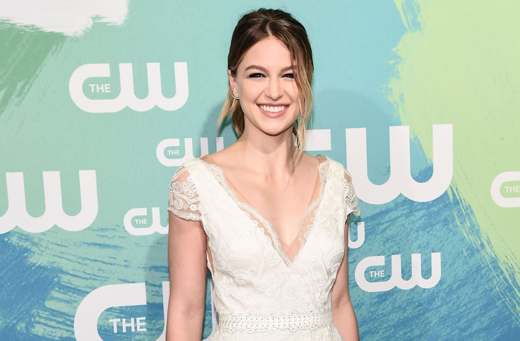 the flash supergirl musical crossover cast premiere