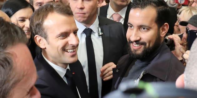 Emmanuel Macron, flanqué d'Alexandre Benalla en février dernier.