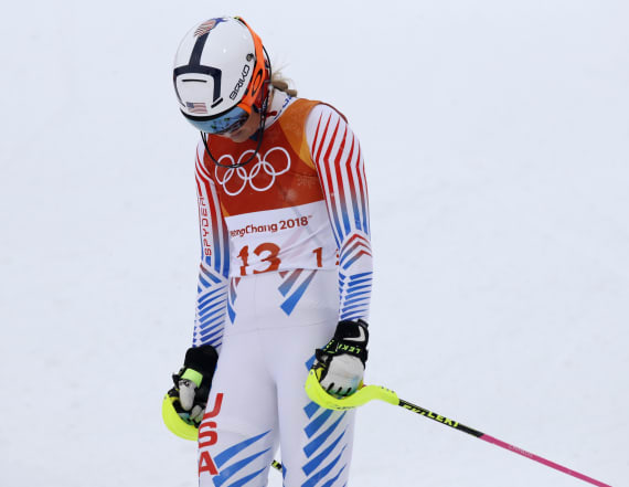 Vonn blows good shot at gold in final Olympic event