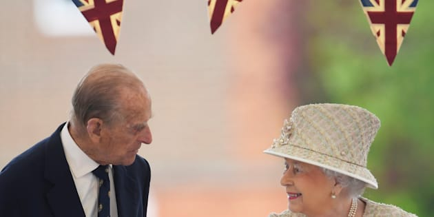 Britain's Queen Elizabeth and Prince Philip visit Pangbourne College near Reading, May 9, 2017. REUTERS/Toby Melville