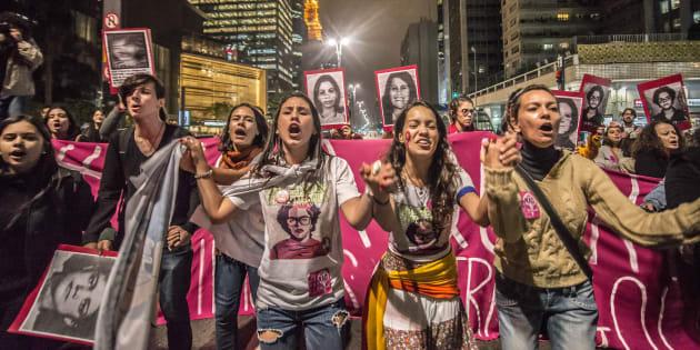 """Vice de Bolsonaro, general Mourão afirmou que famílias sem """"pai e avô"""" e com """"mãe e avó"""" são """"fábricas de desajustados"""" que ingressam no narcotráfico."""