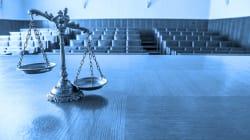 Destituyen a juez por acoso sexual y solapar a