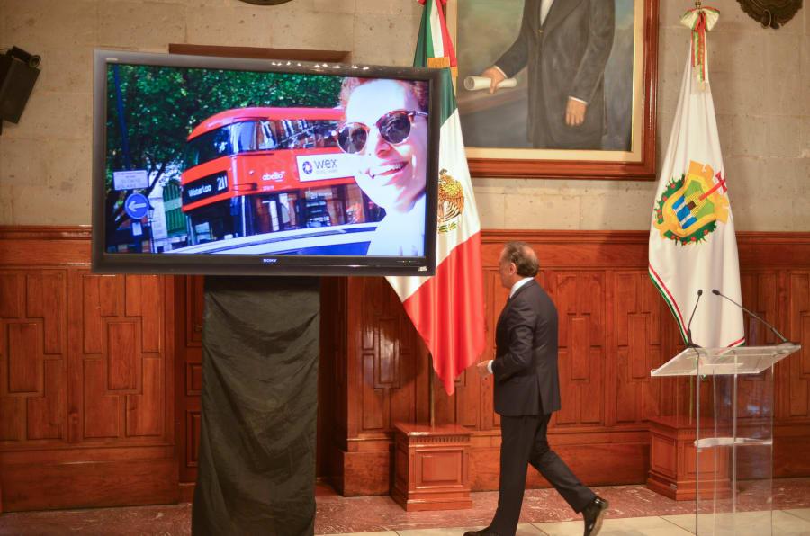 XALAPA, VERACRUZ, 29MAYO2018.- Miguel Angel Yunes Linares, gobernador del estado, presentó un video e imágenes donde presuntamente acredita el paradero de Karime Macías Tubilla, esposa del ex gobernador Javier Duarte en Londres.