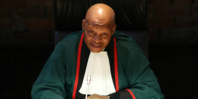 Chief Justice Mogoeng Mogoeng gestures as he makes a ruling at the Constitutional Court in Johannesburg, South Africa, June 22, 2017.
