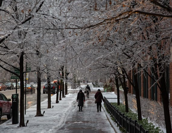 Snow and rain to streak through the U.S.