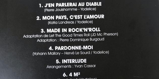 """""""Mon pays c'est l'amour"""" sorti ce vendredi 19 octobre est composé de onze titres inédits de Johnny Hallyday."""