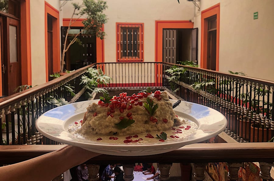 Chile en nogada del restaurante El Mural de los Poblanos, en Puebla.
