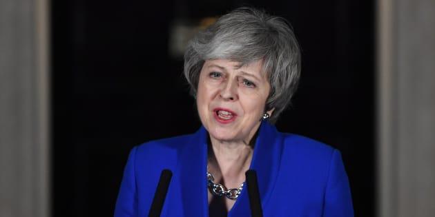 "May pide anteponer el ""interés nacional"" para un ""consenso"" sobre el Brexit."