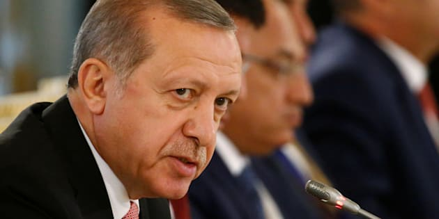 Turkish President Tayyip Erdogan speaks during a meeting with Russian and Turkish entrepreneurs at the Konstantinovsky Palace in St. Petersburg, Russia, August 9, 2016.  REUTERS/Sergei Karpukhin