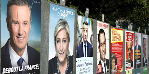 On a regardé quel candidat à la présidentielle a le plus abusé de Photoshop pour son affiche de campagne.  REUTERS/Eric Gaillard