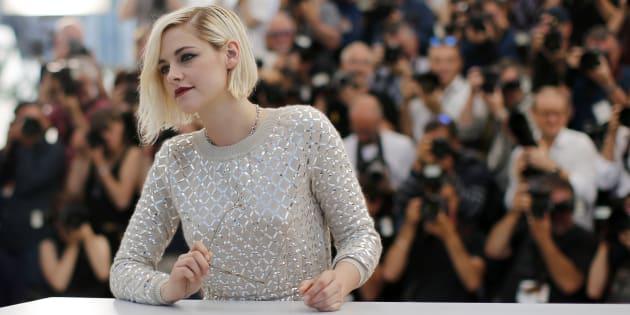 """Kristen Stewart a co-écrit cet article pour la sortie de son court-métrage """"Come Swin""""."""