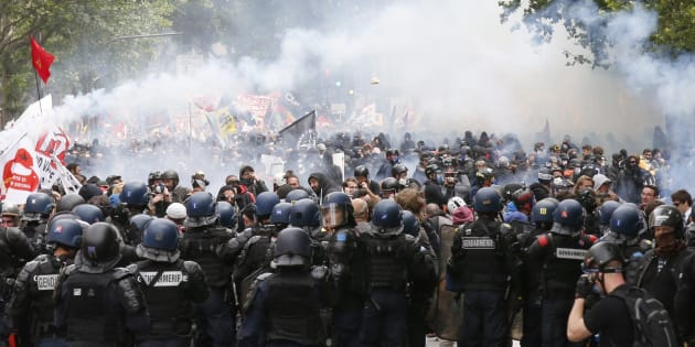Pendant les manifestations anti-Loi Travail, le recours à l'état d'urgence avait permis aux autorités d'éloigner des individus, les privant de fait de leur droit de manifester.