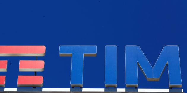 Azzerati i vertici di Tim: i consiglieri di Vivendi si dimettono in blocco, il nuovo consiglio ...