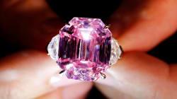 Pochi al mondo possono permettersi questo raro diamante rosa (l'asta è durata appena 5
