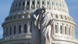 Demócratas acceden a reabrir gobierno sin protección para