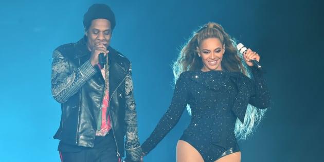 """Beyoncé et Jay-Z en concert pour leur tournée """"On the run II"""" à Glasgow le 9 juin 2018."""