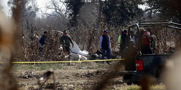 Así lució el peritaje por parte de la fiscalía poblana y el gobierno federal en la zona de Coronango, Puebla, donde cayó el helicóptero