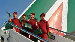 Dimenticate il bordeaux. Alitalia torna al blu con le nuove divise firmate Alberta