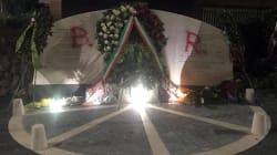 Imbrattato il monumento in ricordo delle vittime di via